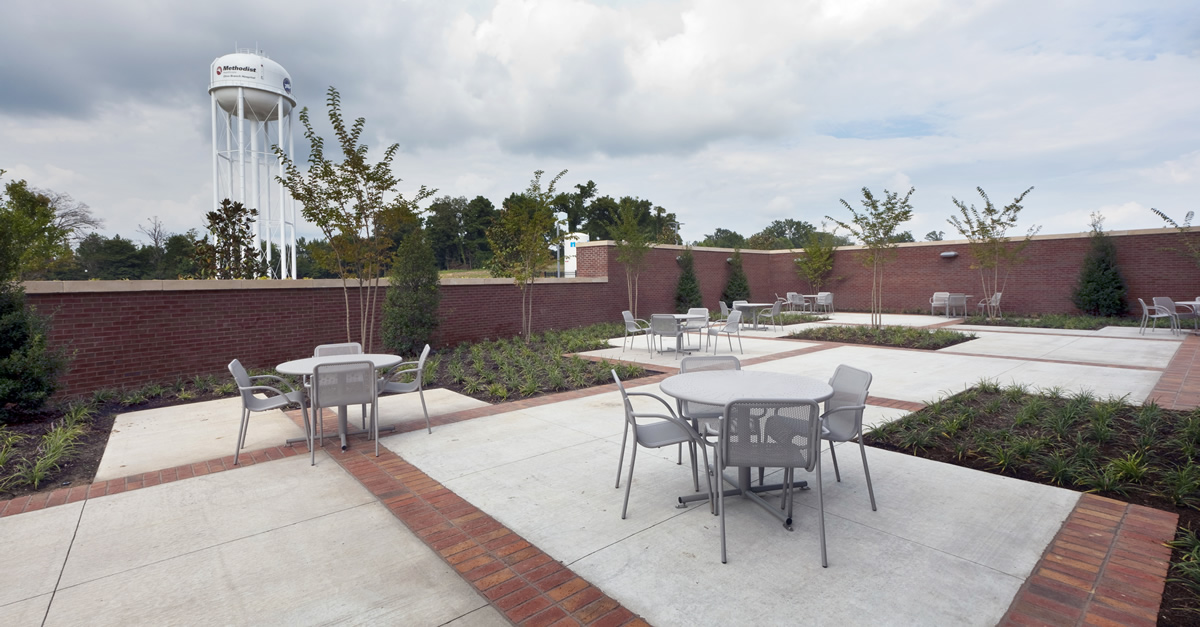 Methodist Olive Branch Hospital cafeteria patio